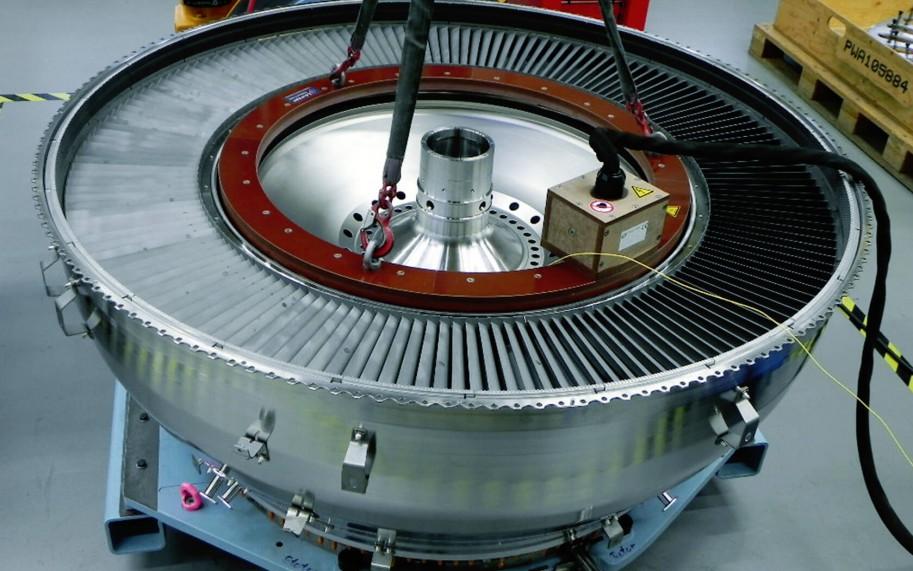 Induktive Erwärmung Triebwerken und Turbinen
